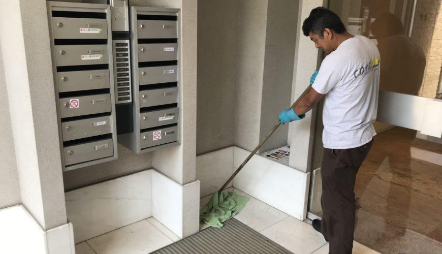 Nettoyage de commun d'immeuble